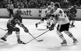 Олимпийскому чемпиону по хоккею Виктору Жлуктову исполнилось 65 лет