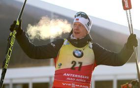 Норвежец Йоханнес Бё выиграл гонку преследования на этапе КМ по биатлону в Италии