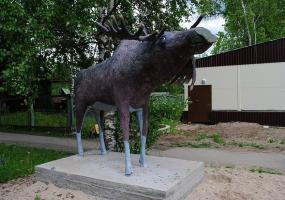 Монумент лосю. Плесецк, Архангельской области.