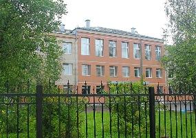 Двенадцатая школа. Фото города Мирный.