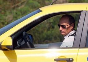 За рулём автомобиля. Владимир Путин.