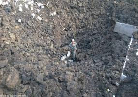 Шахтерск. Воронки после бомбежки. Война в Донбассе. Донбасс в огне.